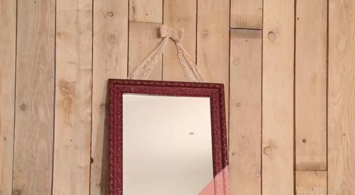 Diy 3 id es pour red corer votre miroir ancien for Encadrement miroir sur mesure