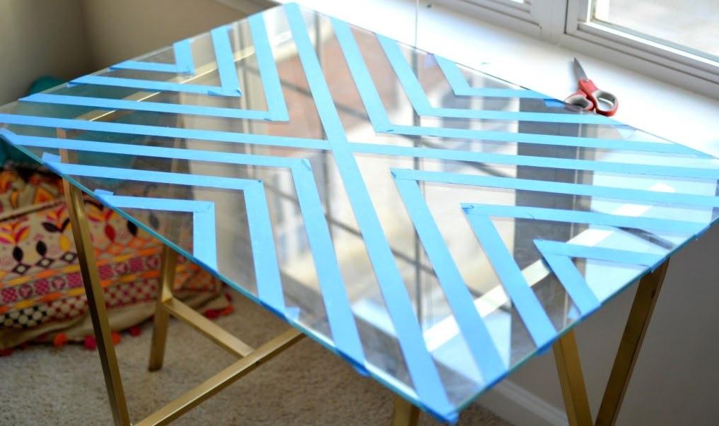 Monvitrage diy table en verre gravé sur tréteaux
