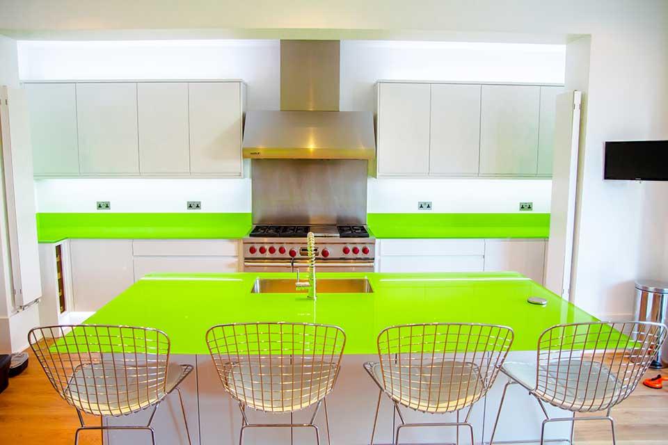 fond de hotte sur mesure top crdence de cuisine plage sur mesure fond de hotte aluminium ou. Black Bedroom Furniture Sets. Home Design Ideas