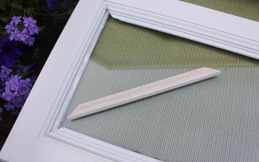 diy ajouter des plaques de verres votre meuble de cuisine. Black Bedroom Furniture Sets. Home Design Ideas
