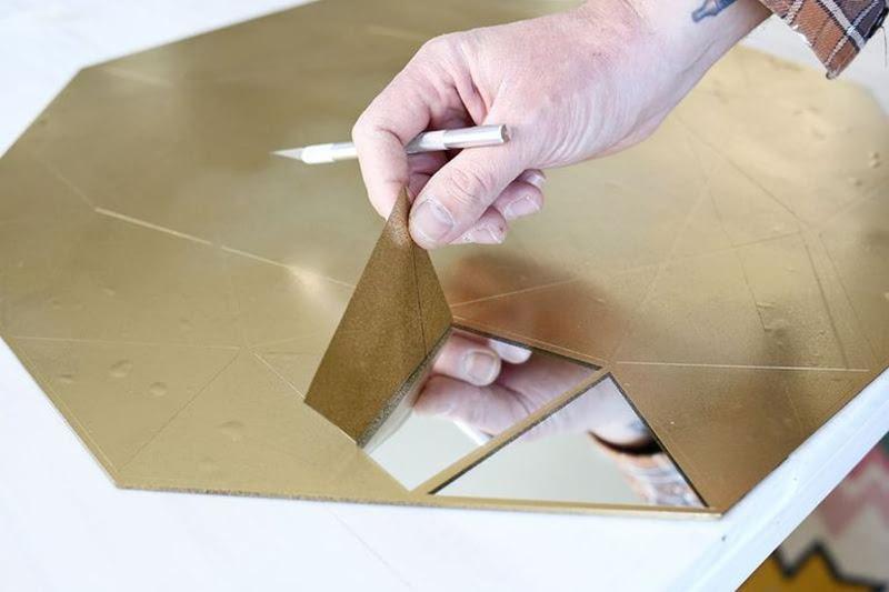 decoupe de miroir miroir a la decoupe miroir non lumineux dcoup l x l cm with decoupe de miroir. Black Bedroom Furniture Sets. Home Design Ideas